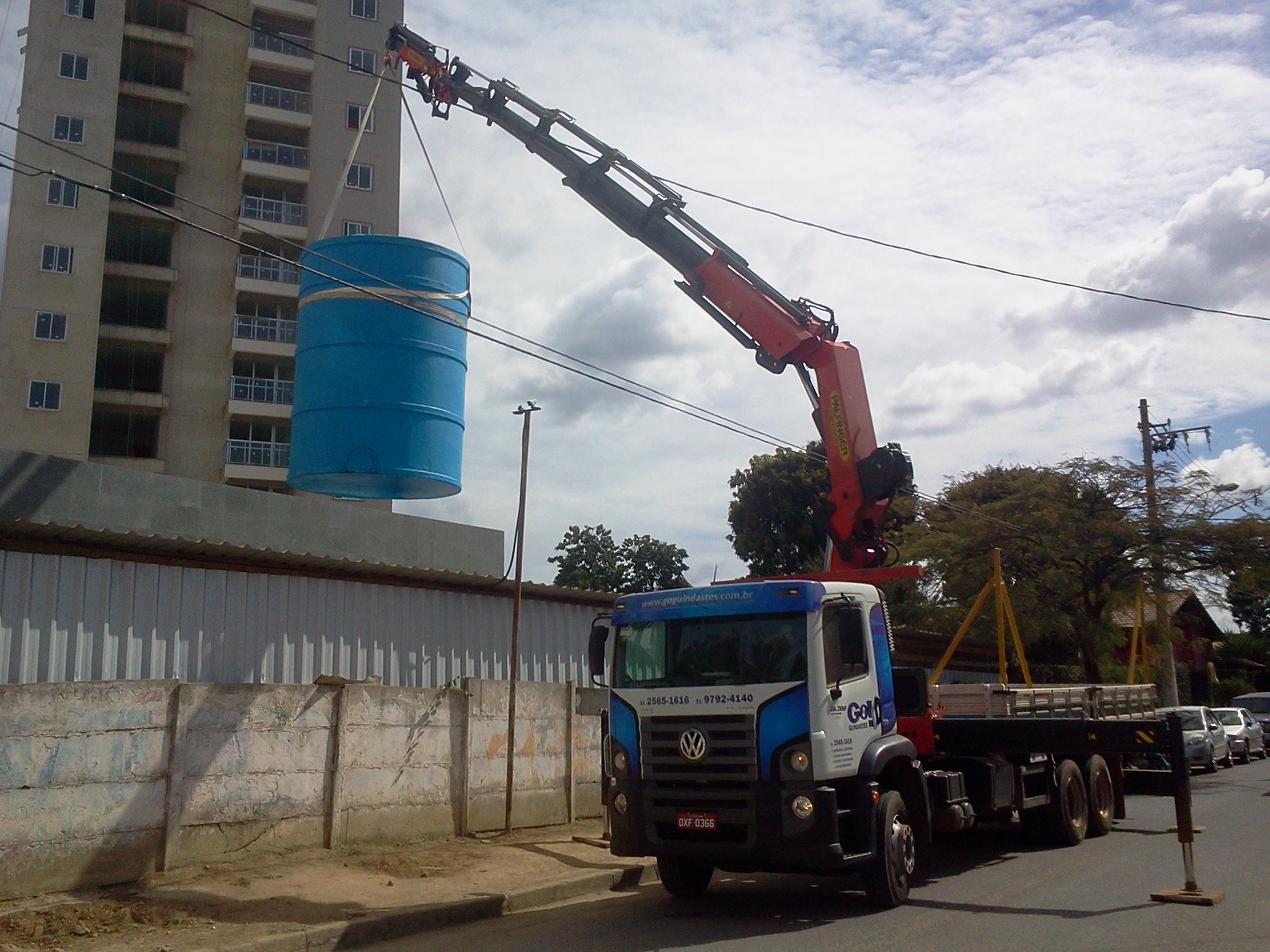 Locação caminhão munck com Fly jib