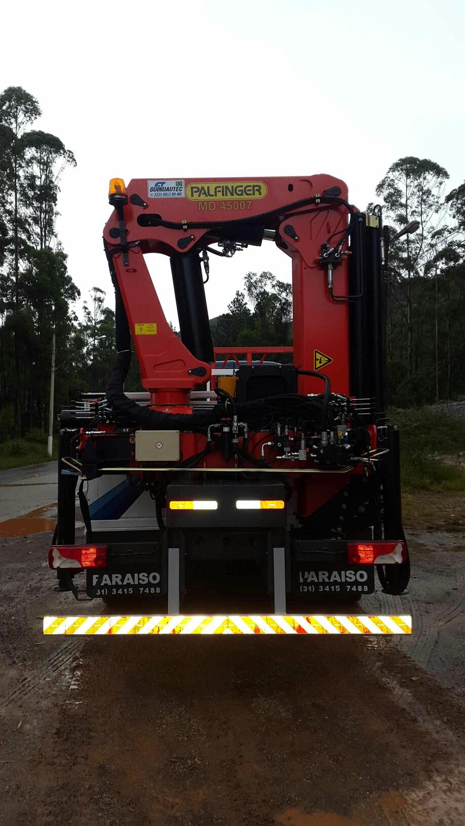 MD45007 Scania Traseiro 2